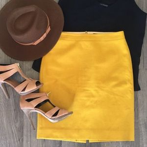 """J.Crew """"the pencil skirt"""" size 4"""